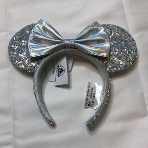 Silver Minnie Mouse Disney Parks Ear Headband